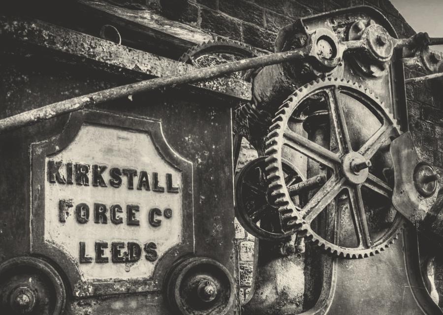 Kirkstall Safes machinery reference: https://bit.ly/2DXldHm